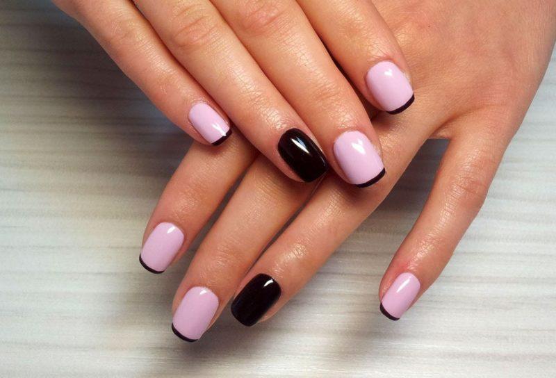 Zwarte Franse manicure
