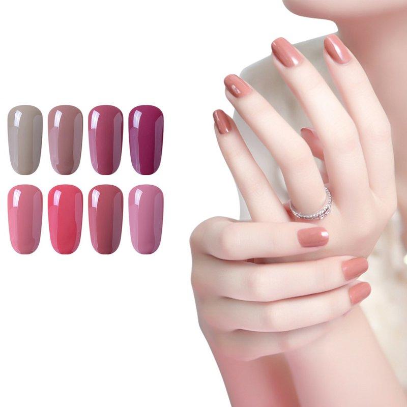 Mooie naakt manicure voor korte nagels