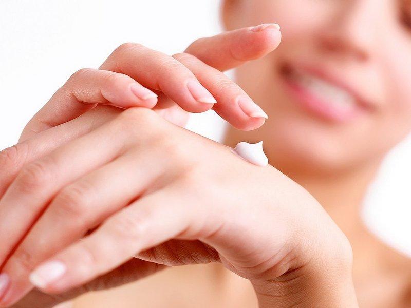 Het gebruik van panthenol in de vorm van een crème voor de huid van het gezicht