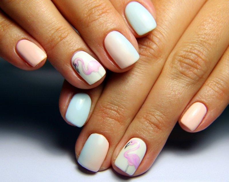 Ombre-manicure met schellak en patroon