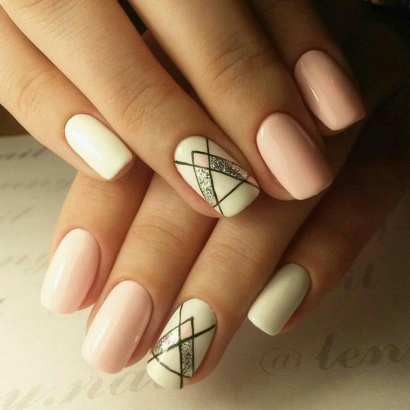 Geometrische manicure in palet tinten.