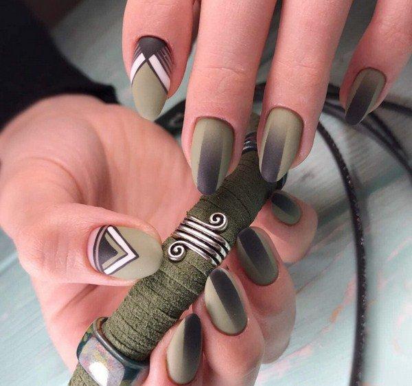Manicure geometrie