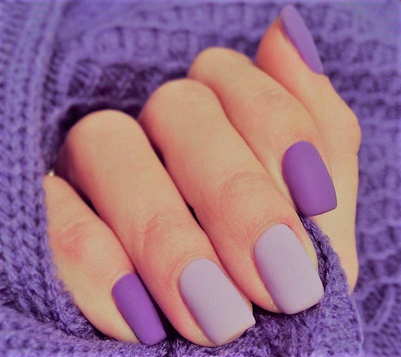 Lila-violet matte spijkerlaag