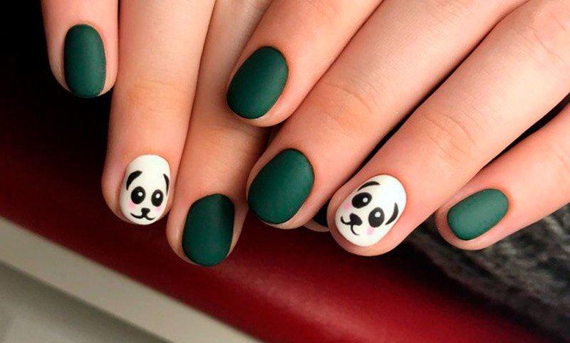 Matte manicure voor korte nagels