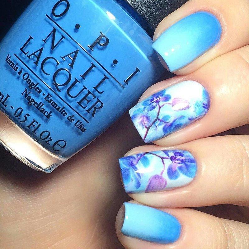 Modieuze manicure met een patroon
