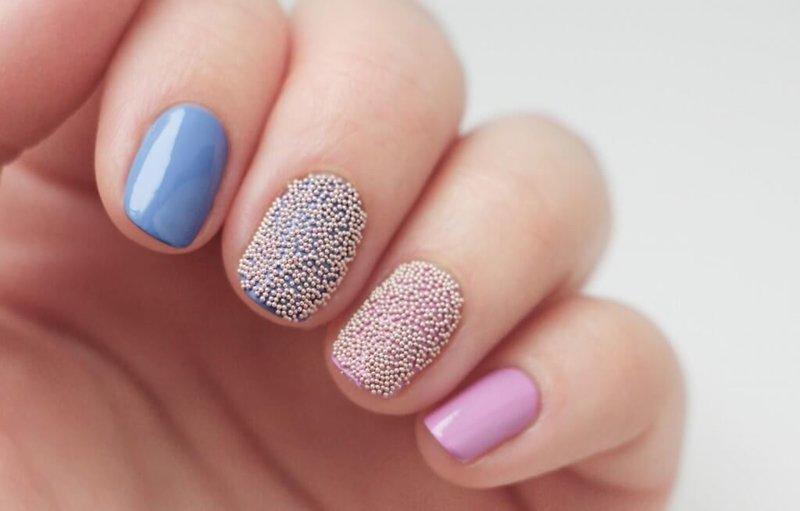Zachte manicure met bouillons