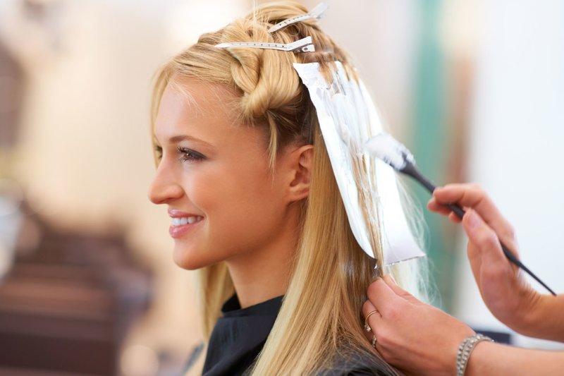 Haarkleuring bij de kapper