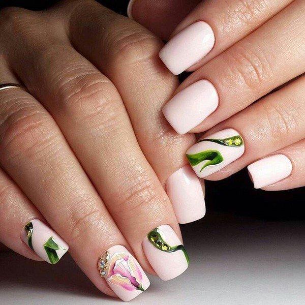 Manicure Tulp