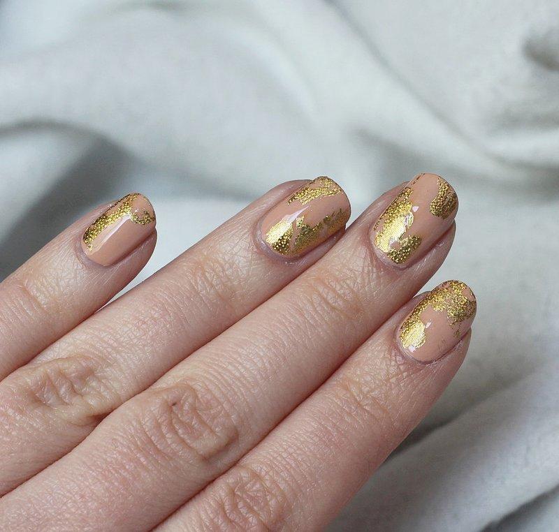 Folie op korte nagels