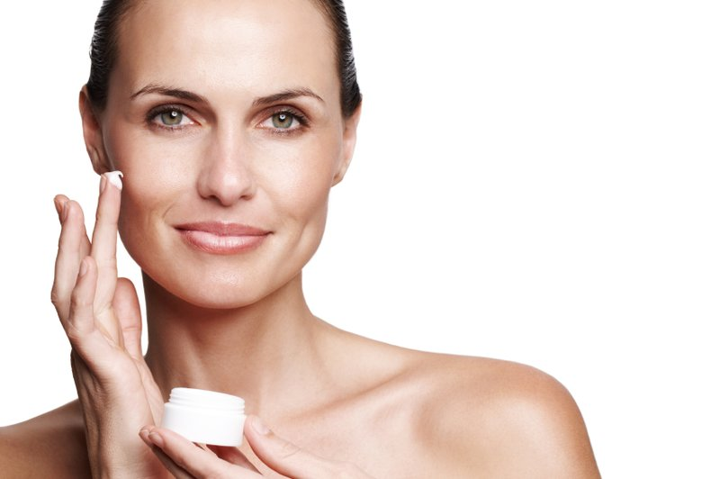 Natuurlijke crème voor roodheid op de huid van het gezicht