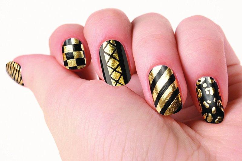Zwarte manicure met folie
