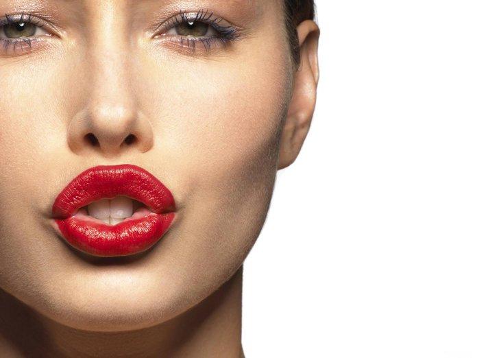Puis-je boire de l'alcool après une augmentation des lèvres?