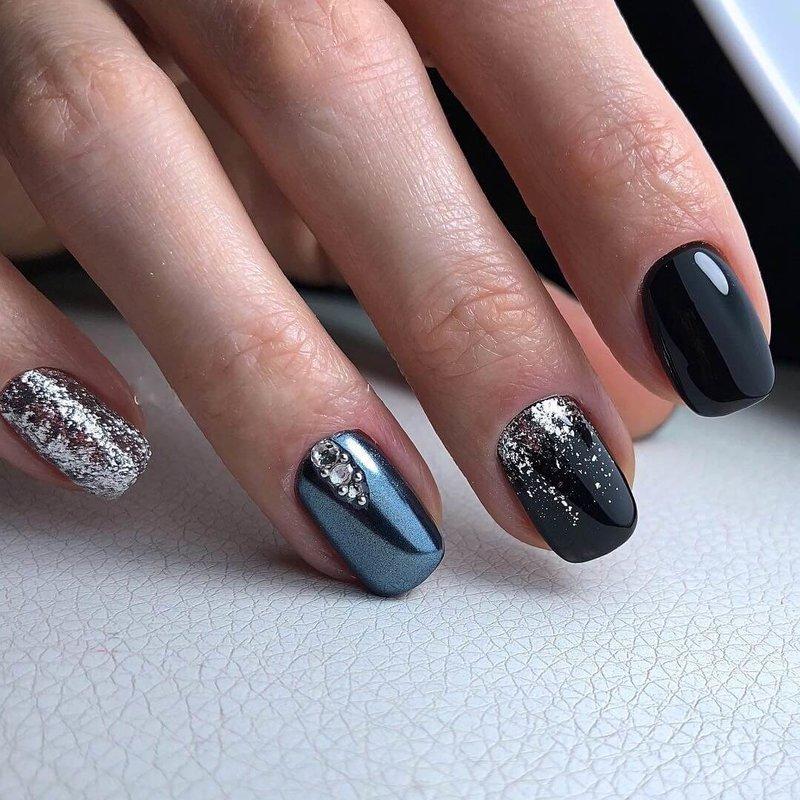 Stijlvolle manicure met schellakvormtechniek