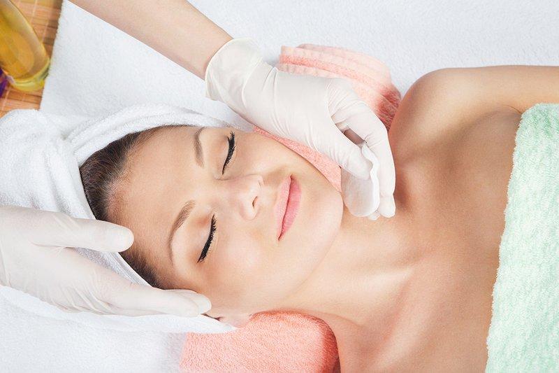Veido valymo esmė - kosmetologė