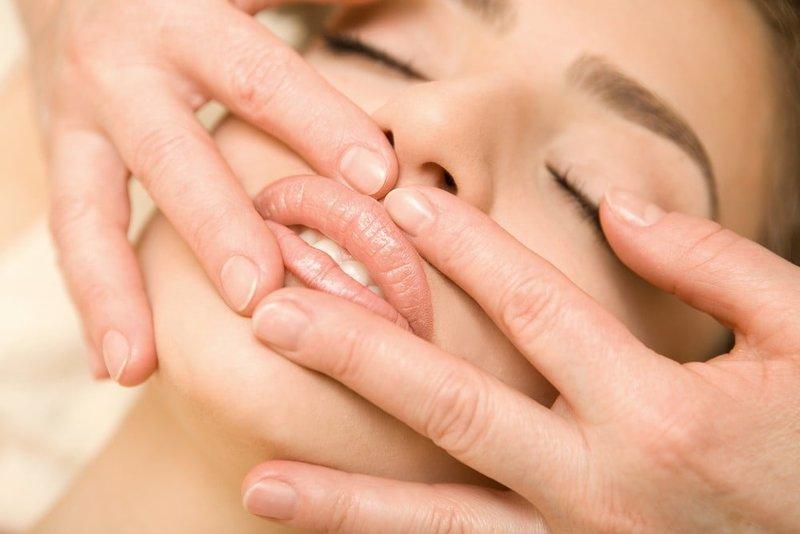 Lūpų masažas po jų priauginimo