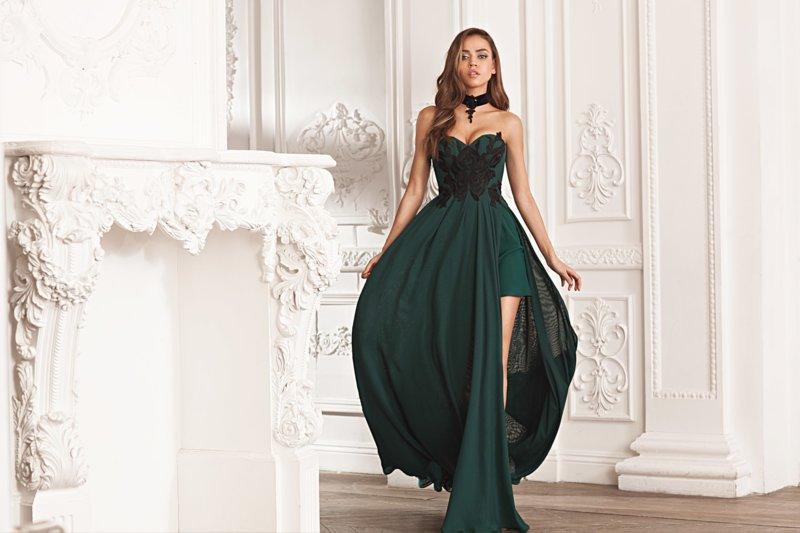Groene jurk met een extra laag stof