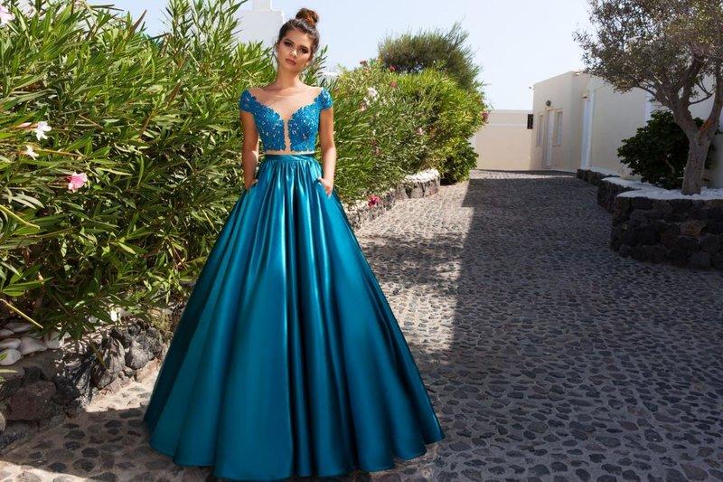 Crop-top jurk met een volle rok