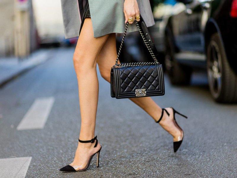 Batai su skaidriais įdėklais
