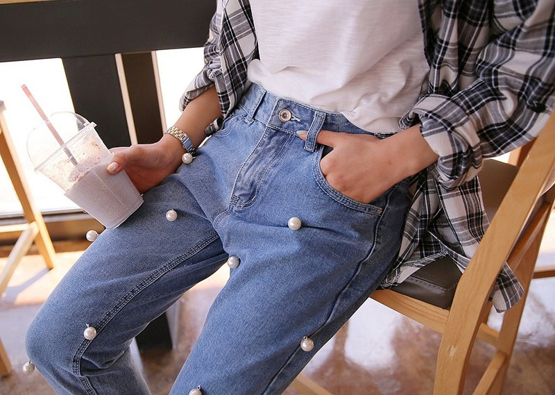Stijlvolle jeans met ongewoon decor