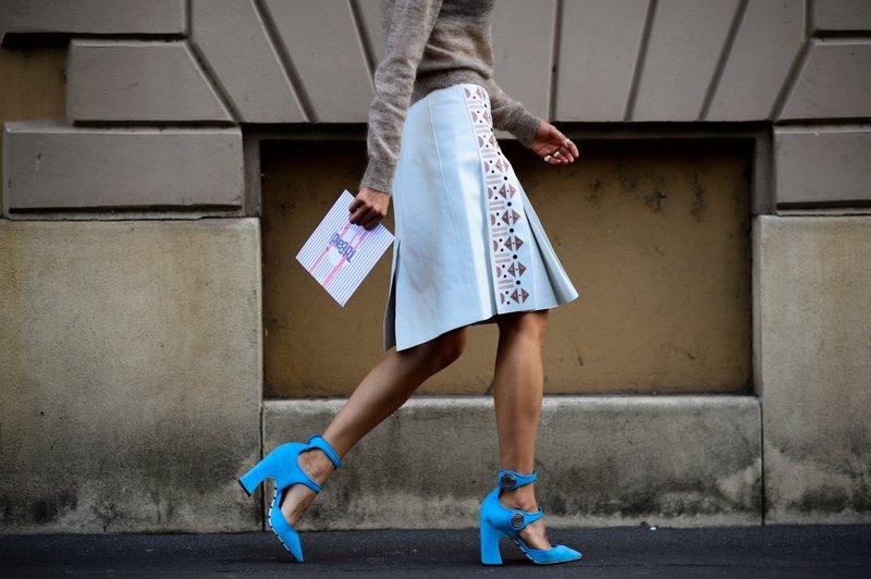 Ryškiai mėlyni batai