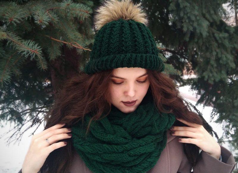 """Smaragdinė skrybėlė ir """"Snood"""""""