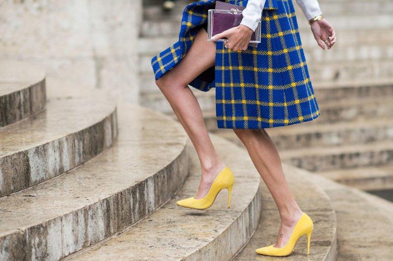 Geltoni batai