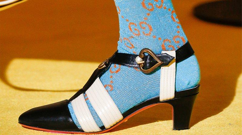 Batai su kojinėmis