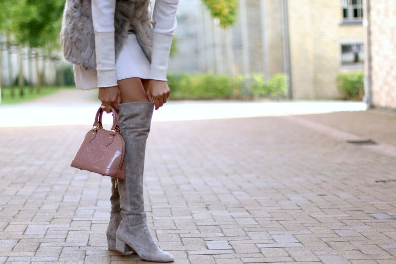 Kojinės su smailiomis kojomis
