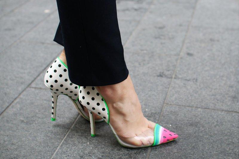 Ryškūs batai su skaidriomis pusėmis