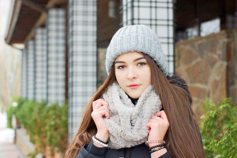 Šviesiai pilka skrybėlė