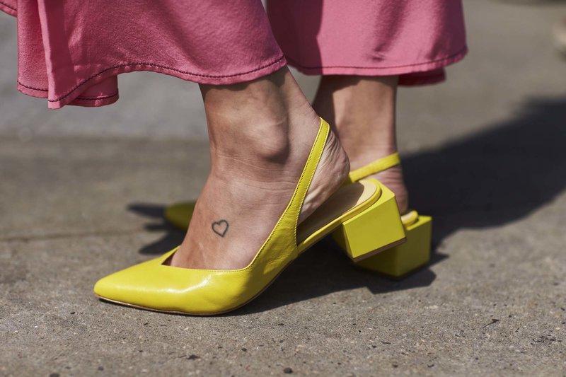 Geltoni žemo kulno batai
