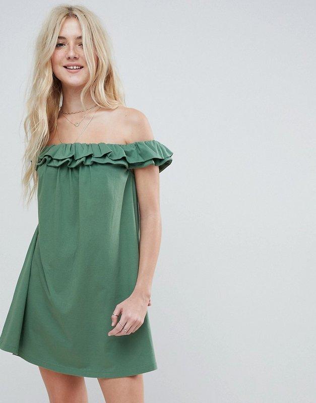 Suknelė nuo pečių