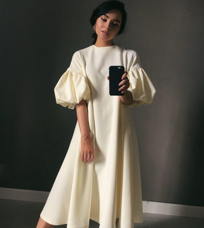 Suknelė su pūstomis rankovėmis
