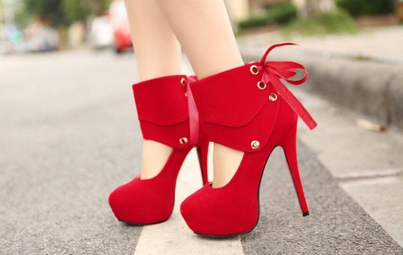 Originalūs raudoni batai