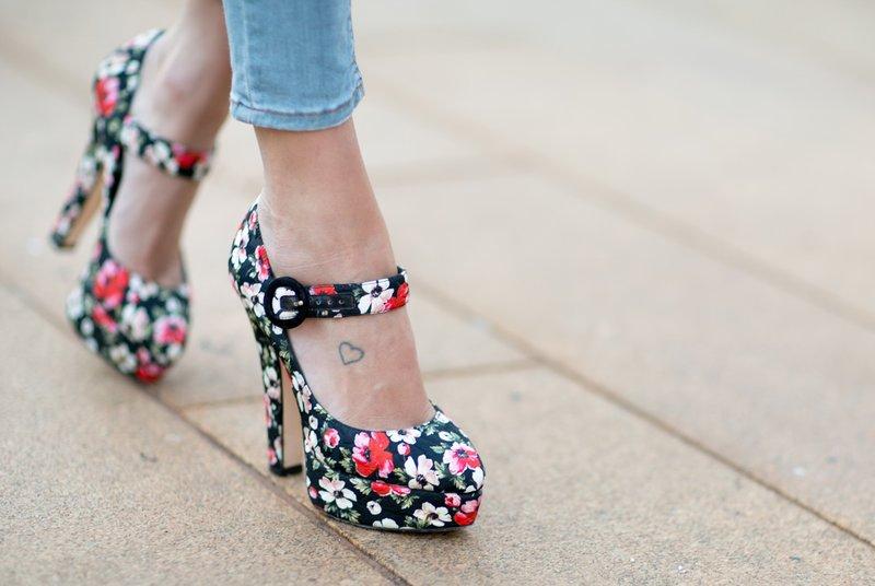 Bloemen schoenen