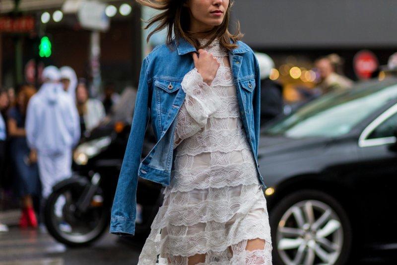 Moteriška džinsinio striukė