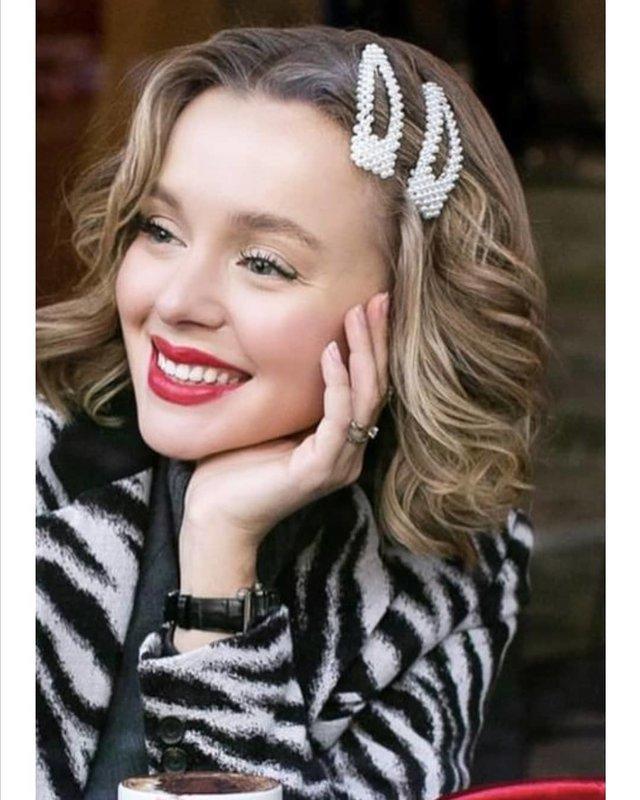 Haarspelden met parels en krullen