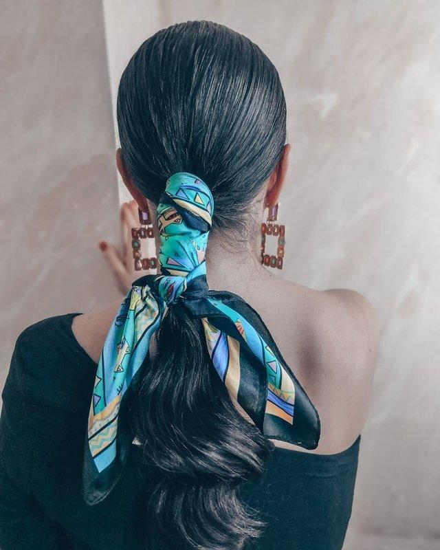 Elegante lage staart met een sjaal