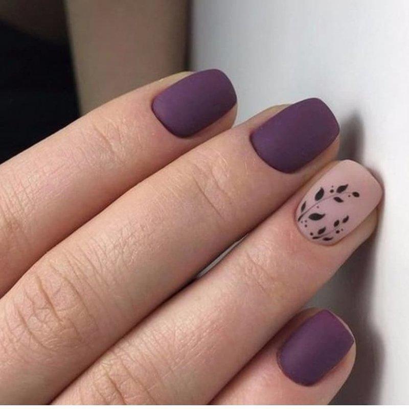 Matinis purpurinis manikiūras