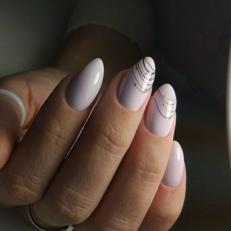 Toile d'araignée sur les ongles