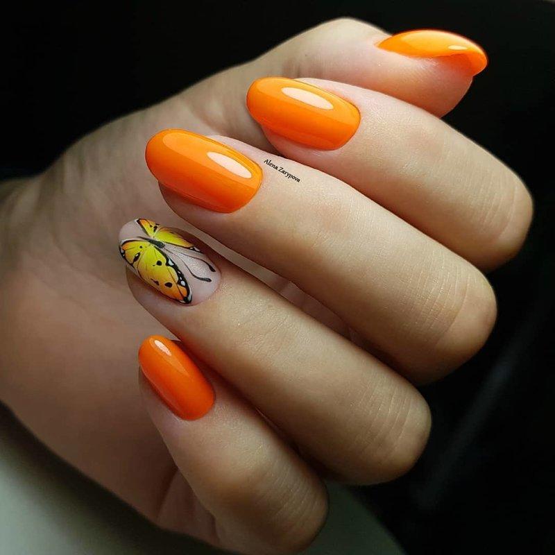 Oranžinis manikiūras rudeniui