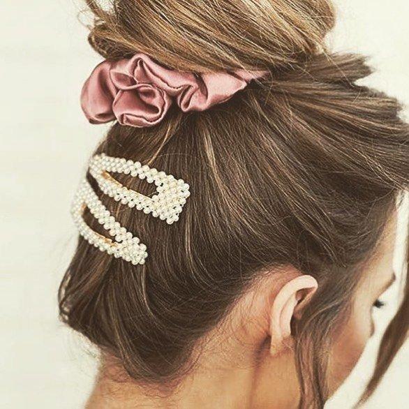 Modieuze haarclips met parels