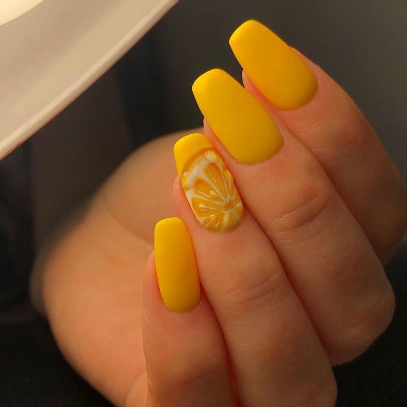 Manucure au citron