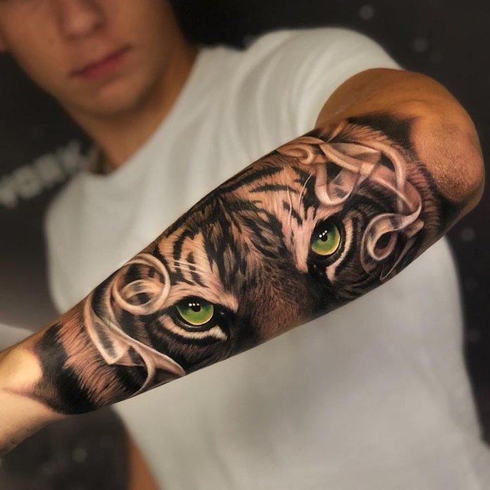 Graži tatuiruotė vyrams ant dilbio