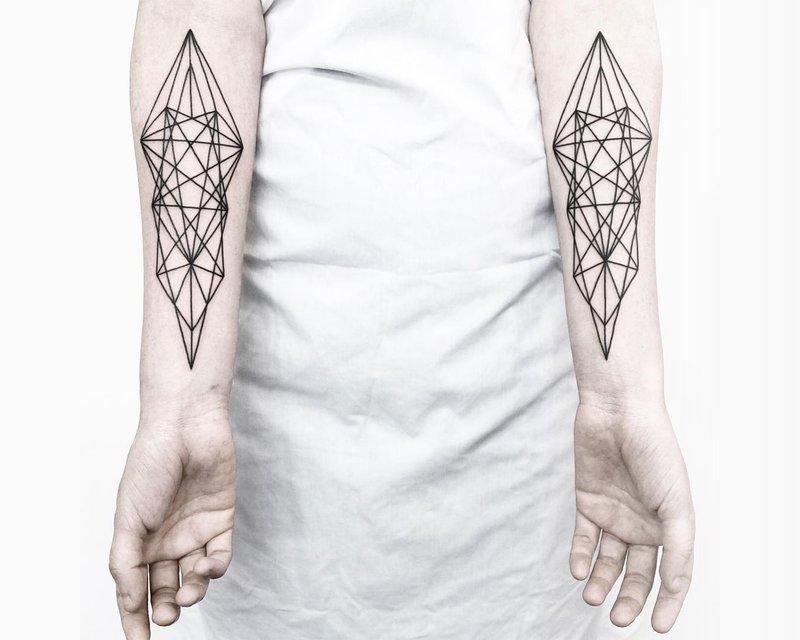 Geometrinės tatuiruotės ant rankų