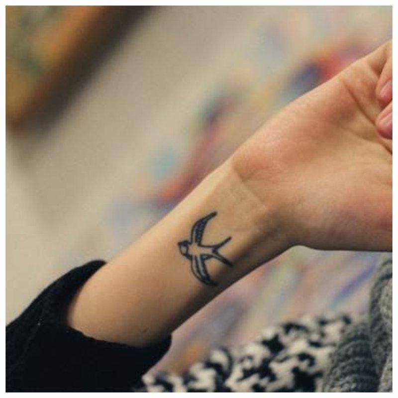 Paukščio tatuiruotė