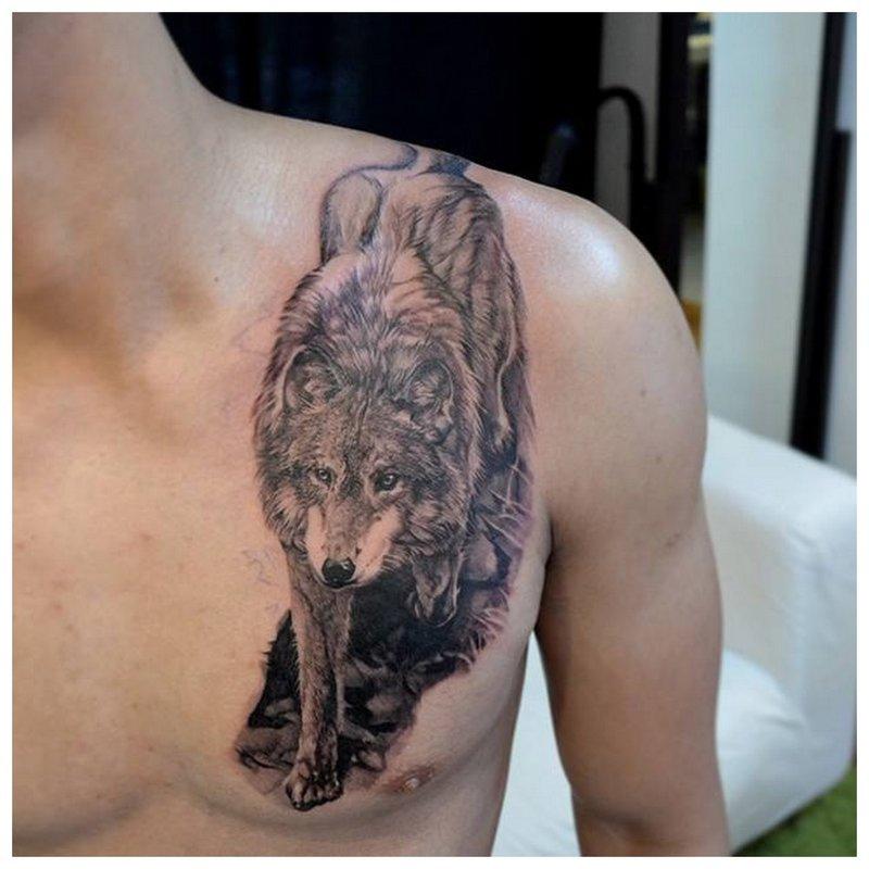 Sluipende Wolf Tattoo