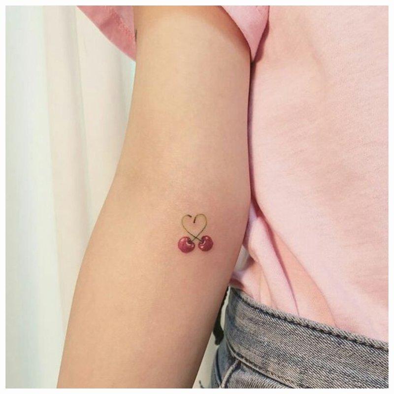 Širdis ir vyšnia - tatuiruotė