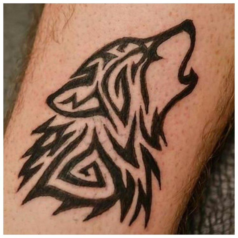 Teen Wolf huilt naar de maan - schets voor tattoo