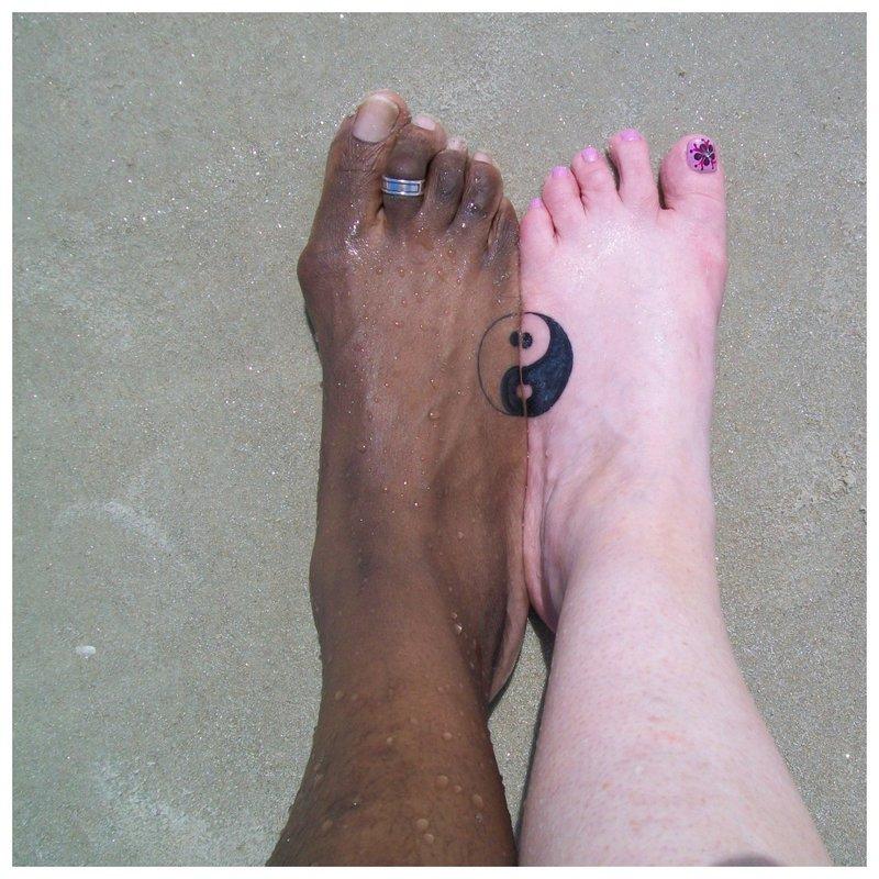 Yin yang tatuiruotė suporuota